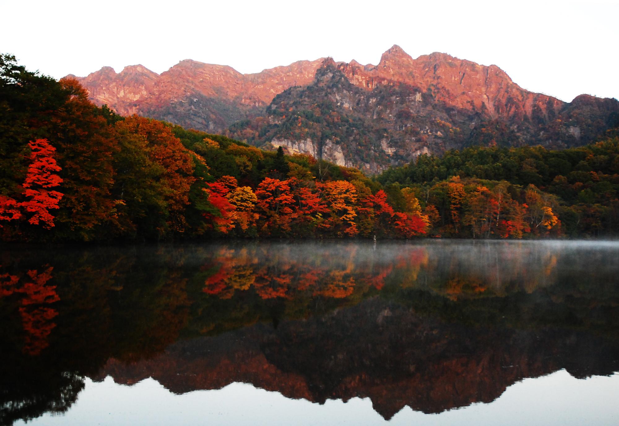 Kagami-ike lake Togakushi autumn