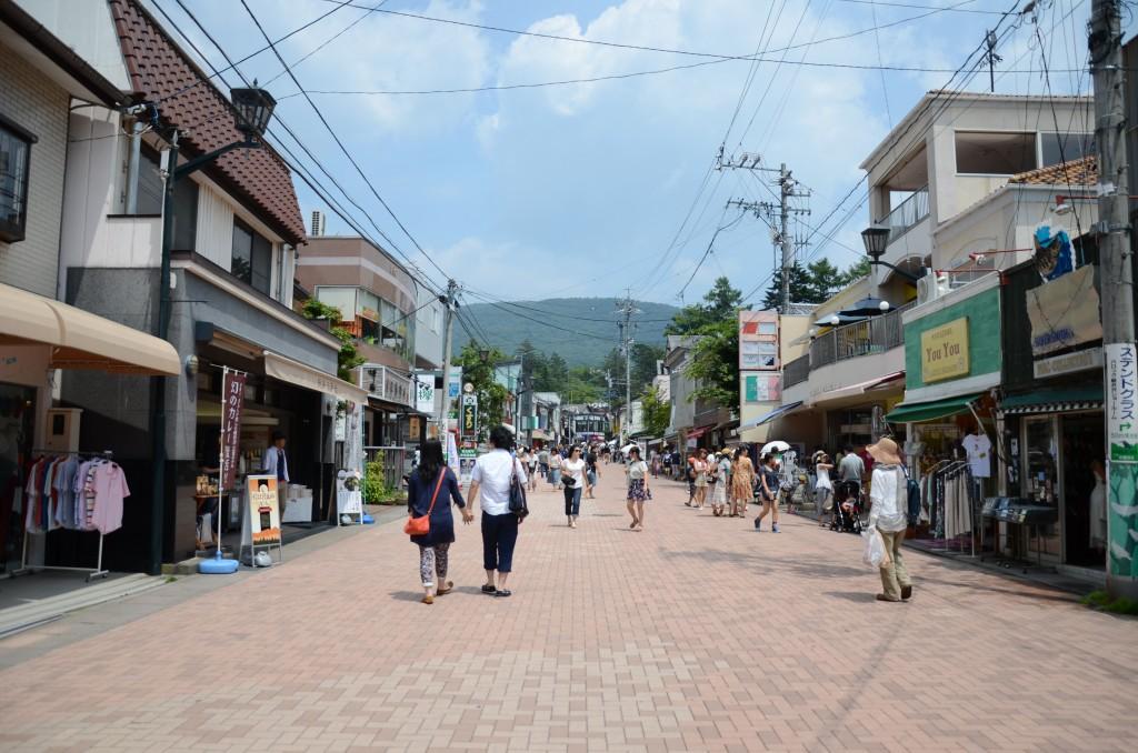 Old-Karuizawa-Ginza-Shopping-Street