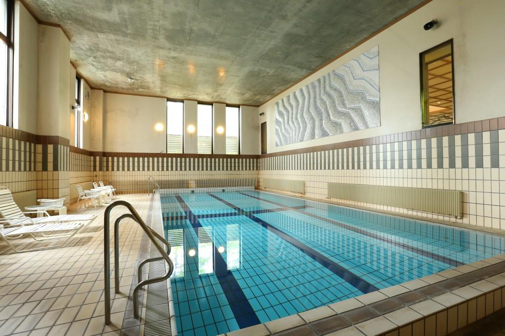 senjukaku swimming pool