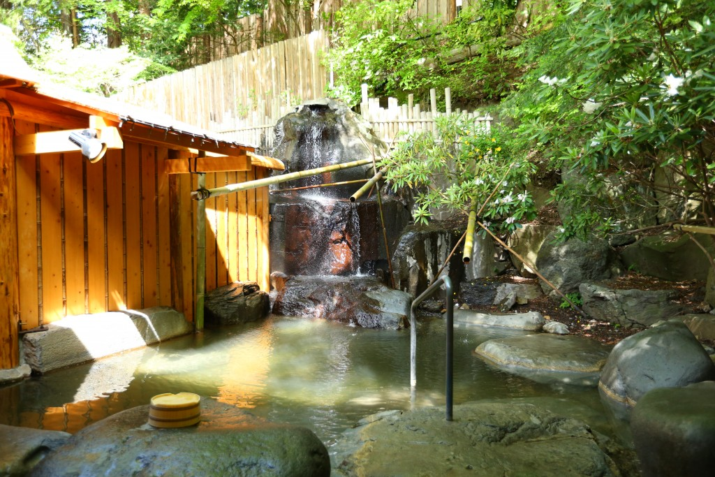senjukaku onsen outdoor 1
