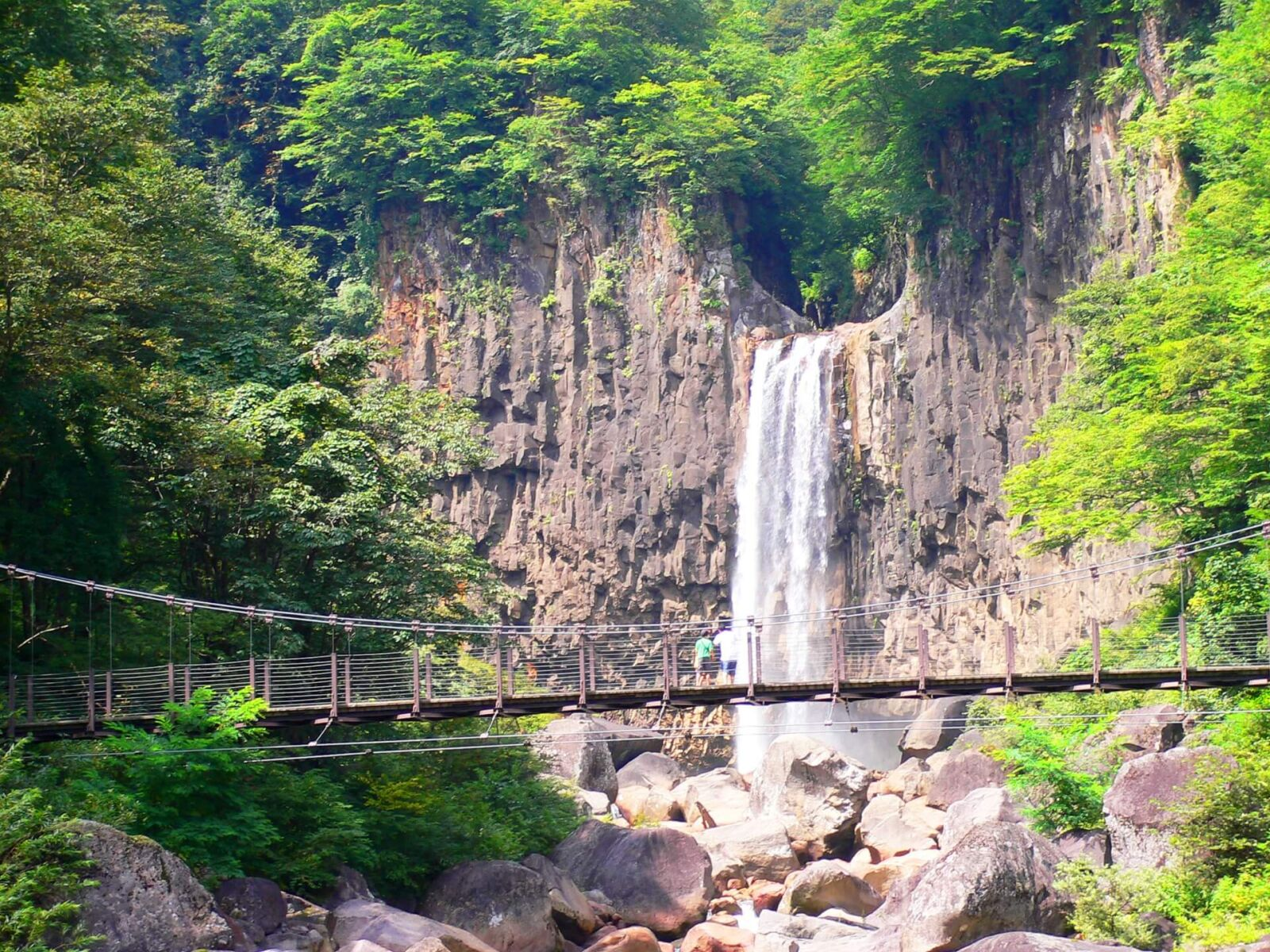 myoko-naena-falls