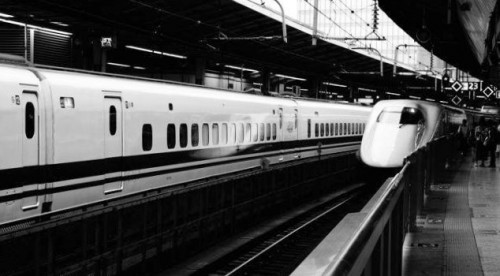 shinkansenb&w1