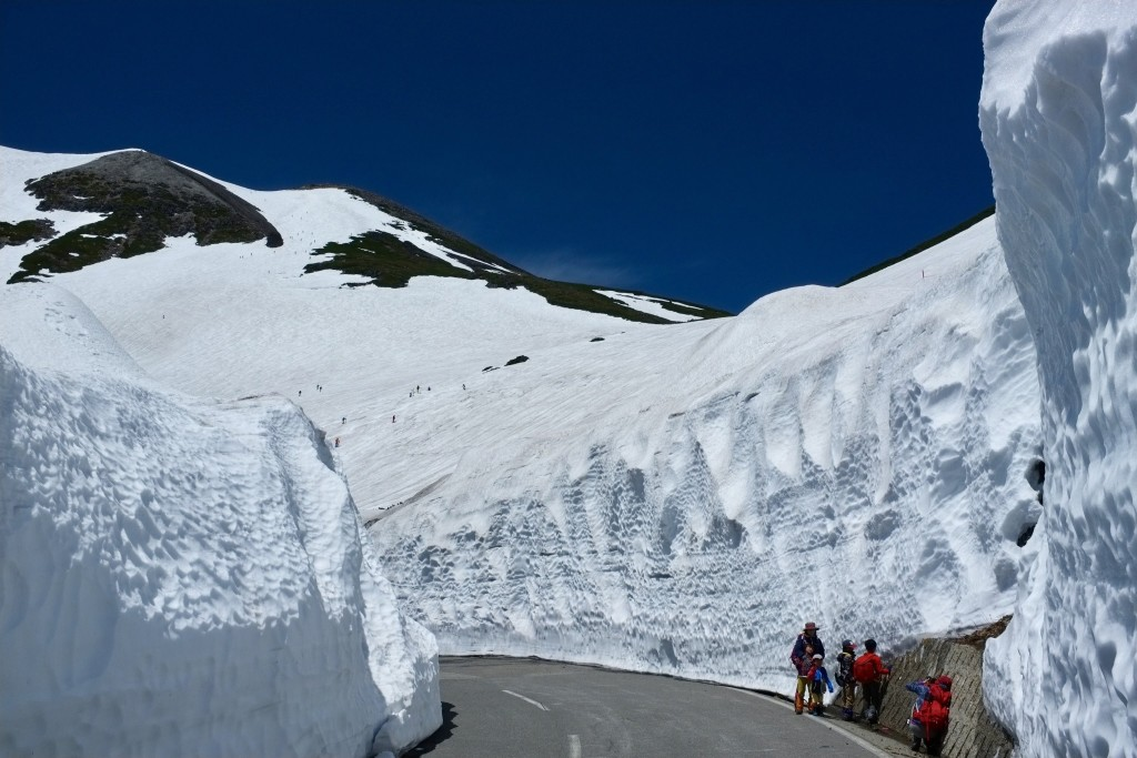 Norikura snow walls