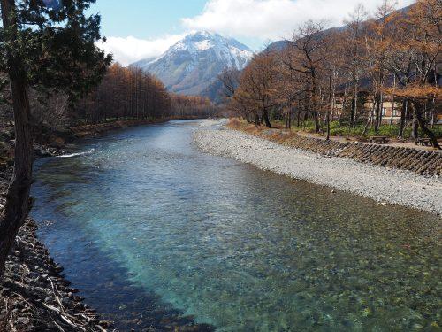 從高山出發:參觀上高地溫泉和奧田溫泉。