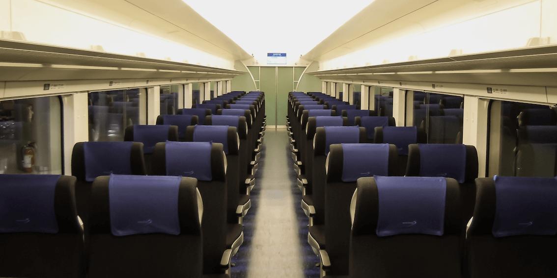 skyliner-interior-seating