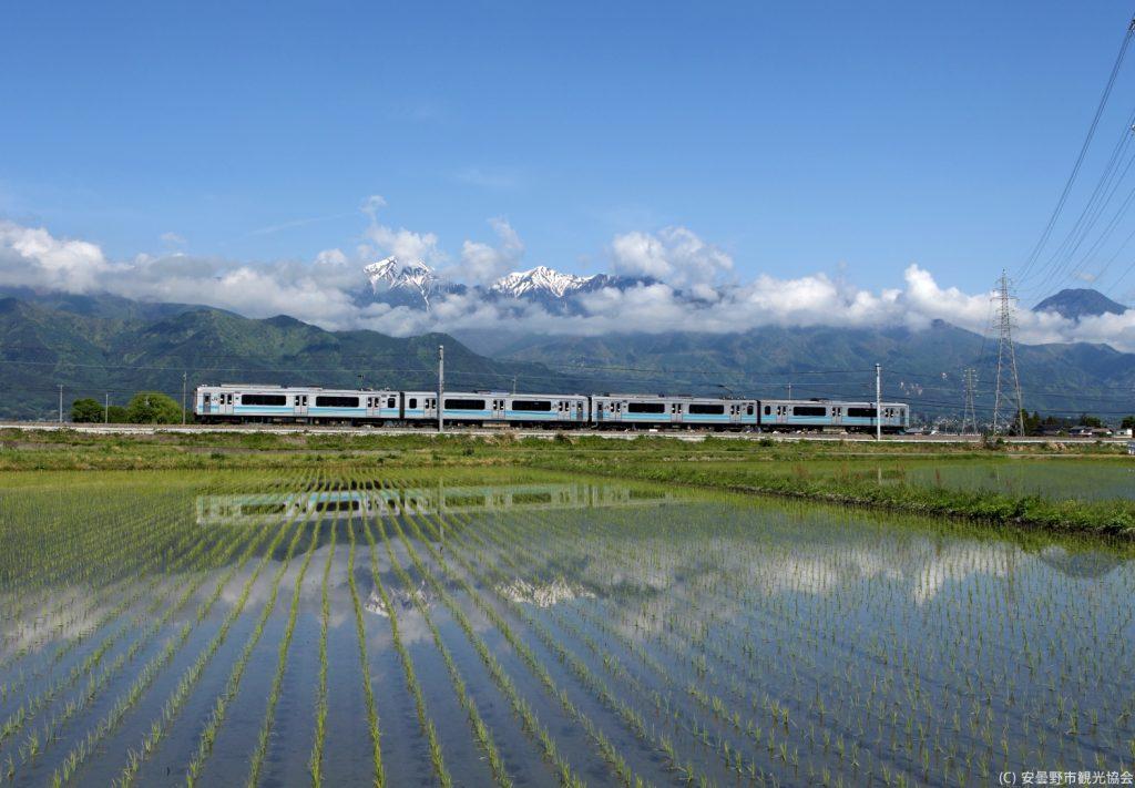 azumino-train-satoyama