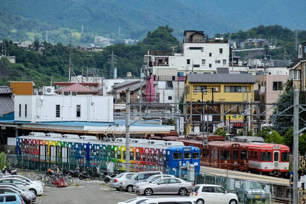 Otsuki-Station-fujikyu-railway-line-mount-fuji