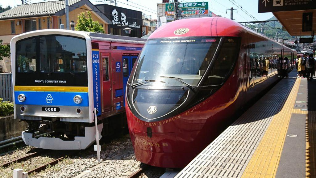 fujikyu-railway-line-mount-fuji