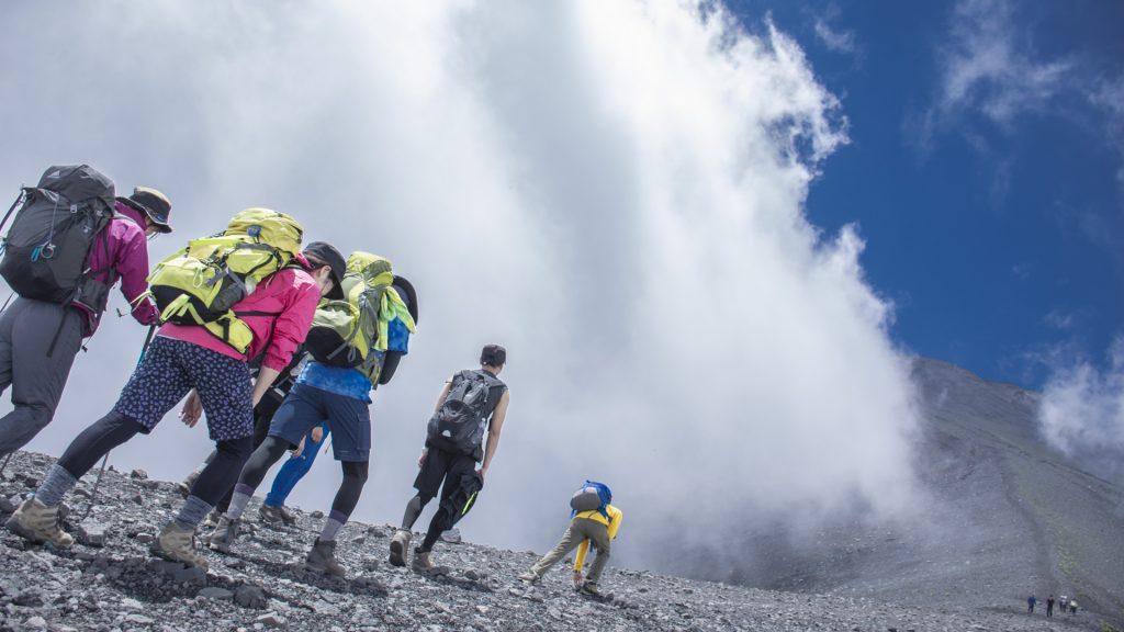Climing-Mount-Fuji