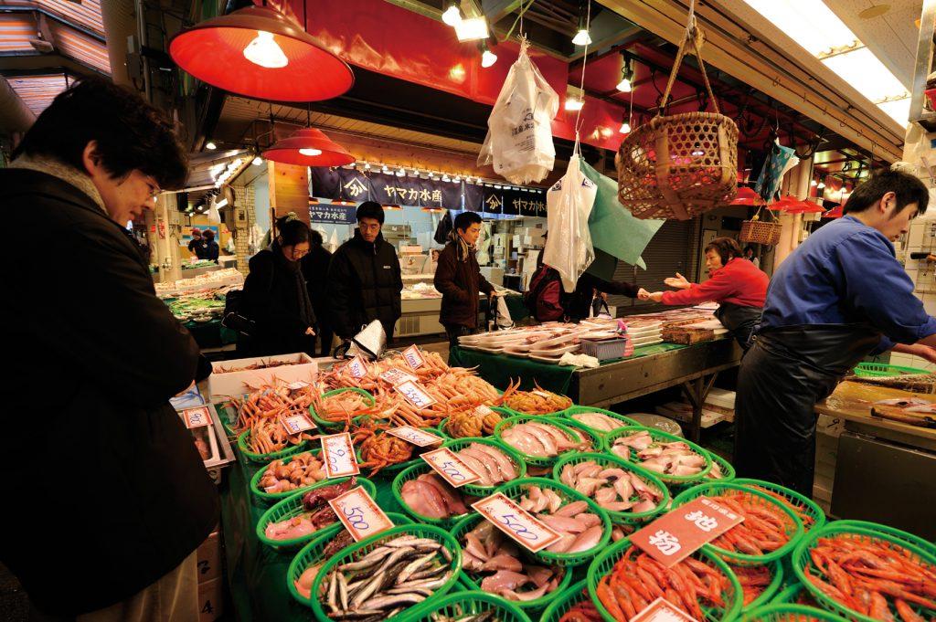 kanazawa-omicho-fish-market