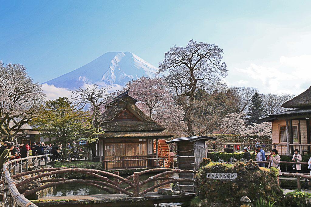 Oshino-Hakkai-Mount-fuji