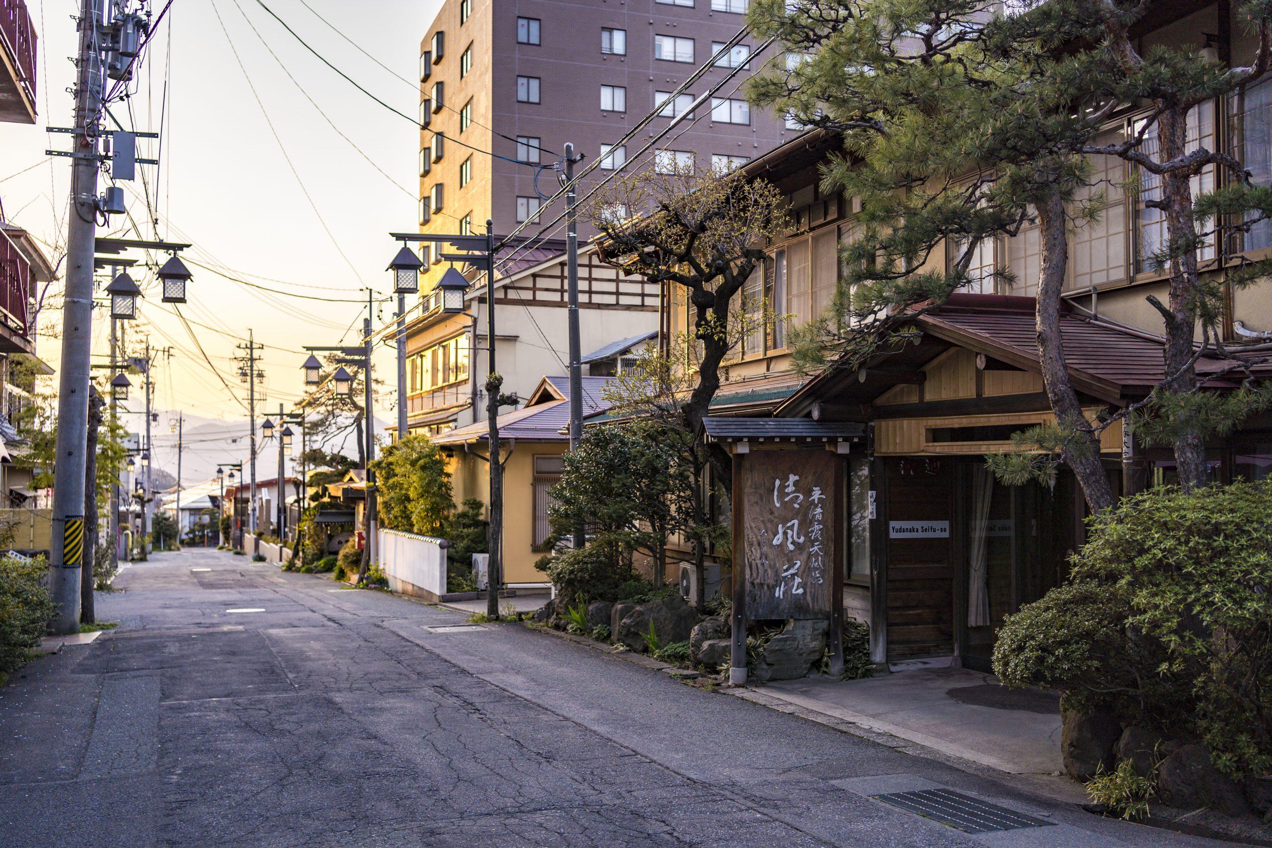 yudanaka-onsen-seifuso-ryokan-yamanouchi