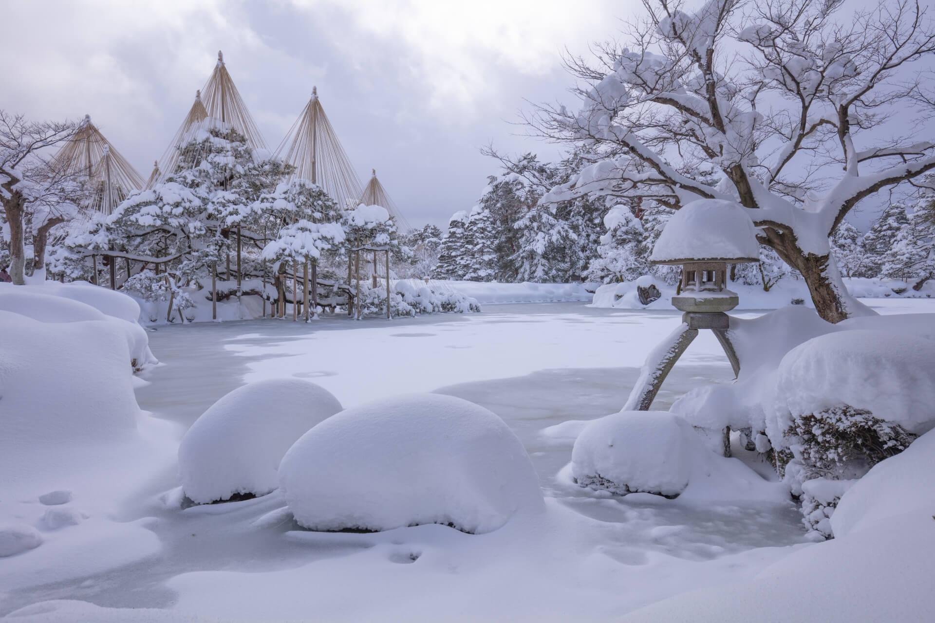 kanazawa-kenrokuen-garden