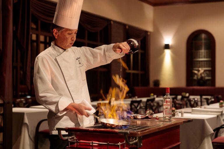 Fine Dining & Luxurious Comfort