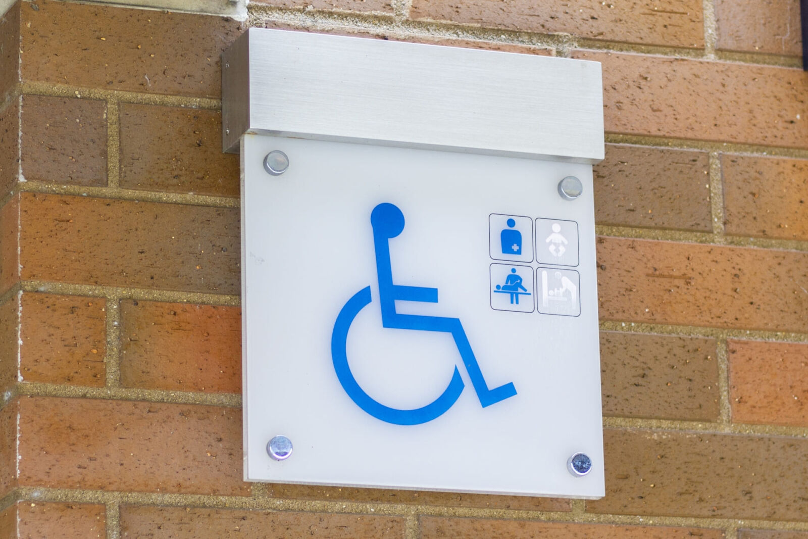 mobility-vision-impaired-travel