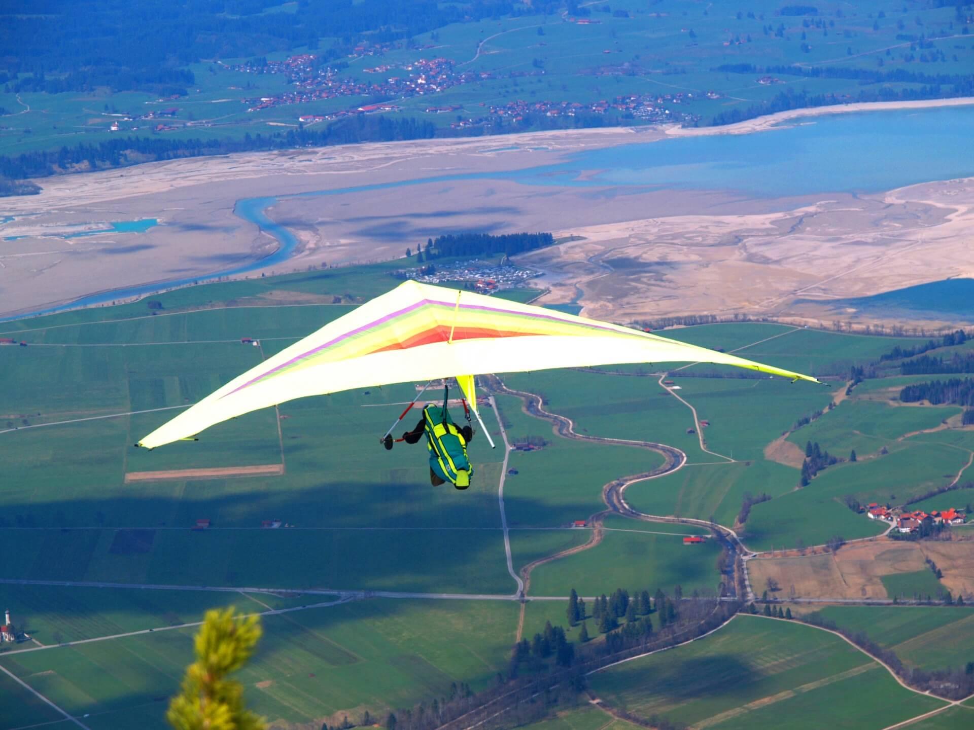 hang-gliding